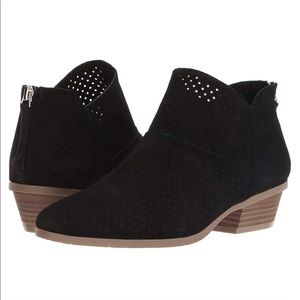 NWOB Kenneth Cole Reaction Booties